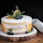 Citronový dort s borůvkami a rozmarýnem